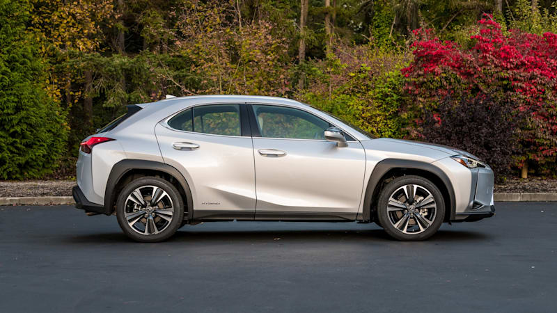 2022 Lexus UX gets new colors and a single new feature